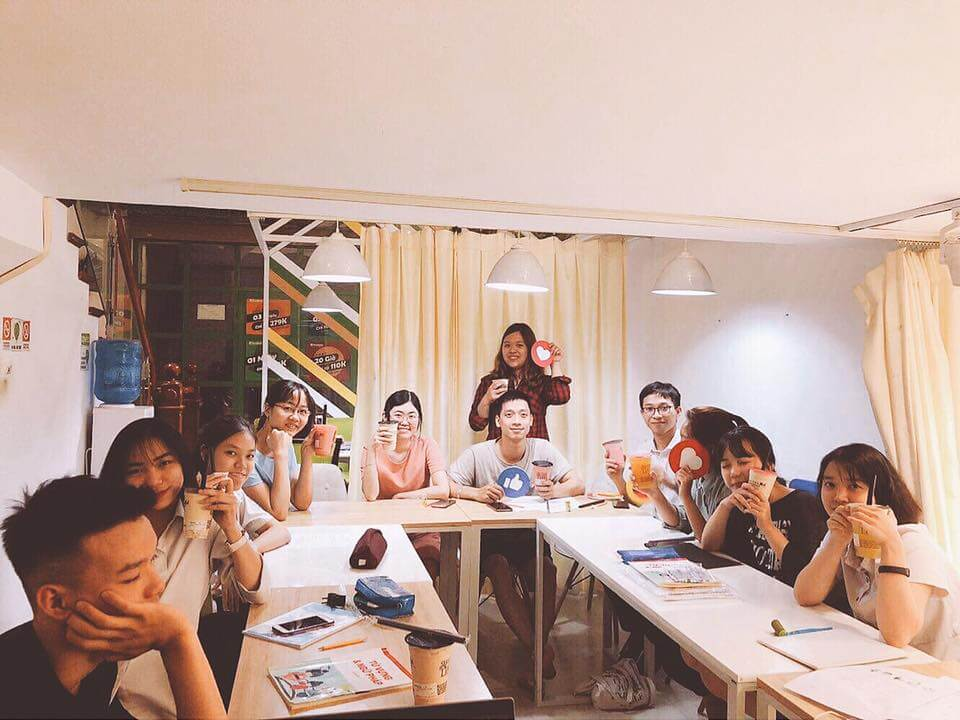 Bên cạnh đào tạo học viên nhí, tại Akira còn có lớp học cho học sinh và sinh viên